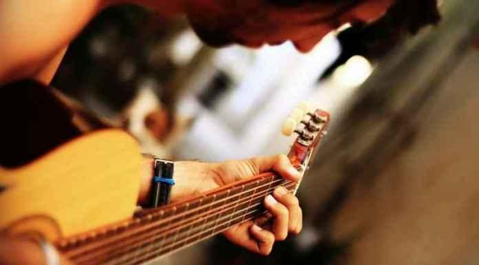Corsi di musica per imparare a suonare la chitarra