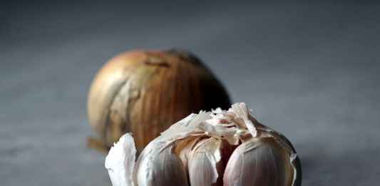 Spicchi di aglio come antibiotico naturale