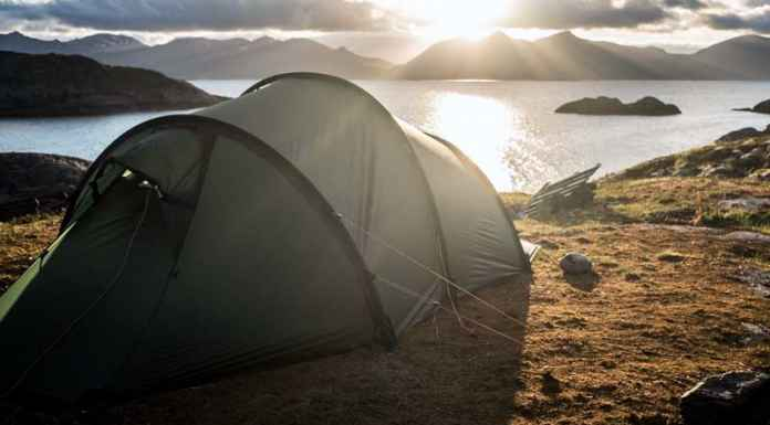 Tenda per campeggio libero con panorama nordico