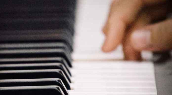 Una nota sola suonata al piano