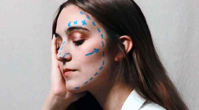 Ritocchi chirurgia estetica su viso donna