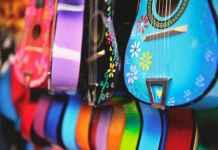 chitarre e strumenti riciclati